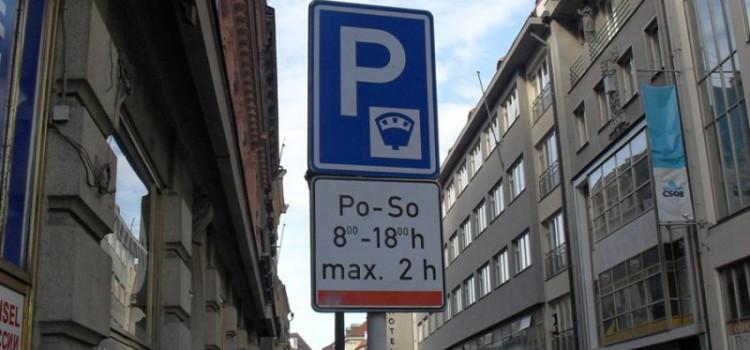 Прага вводит SMS-парковку