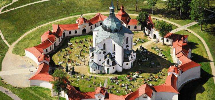 Звезда Высочины, Костел Яна Непомуцкого, возвращается церкви