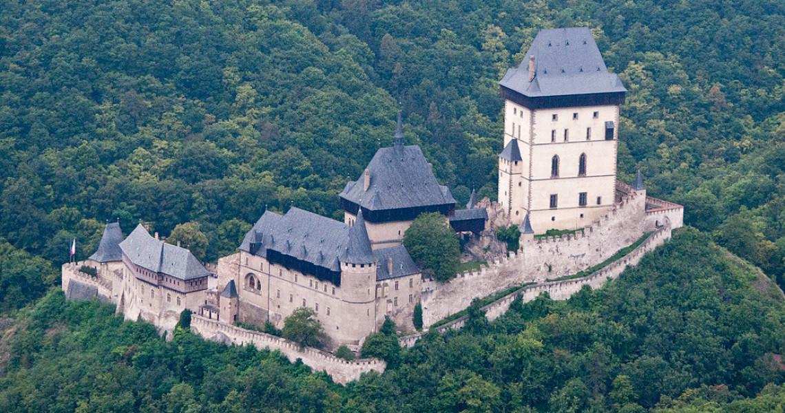 Карлштейн — готический замок Чехии