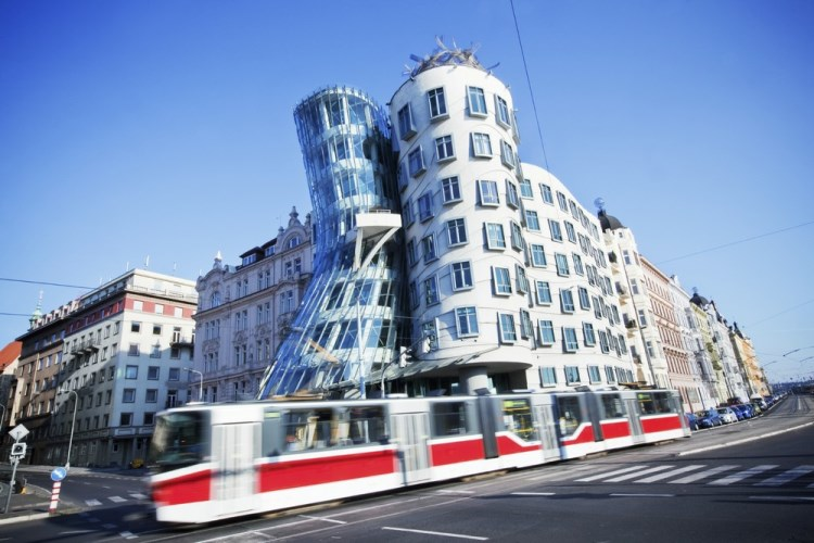 RightRiverbank_3_Prague_Dancing_House