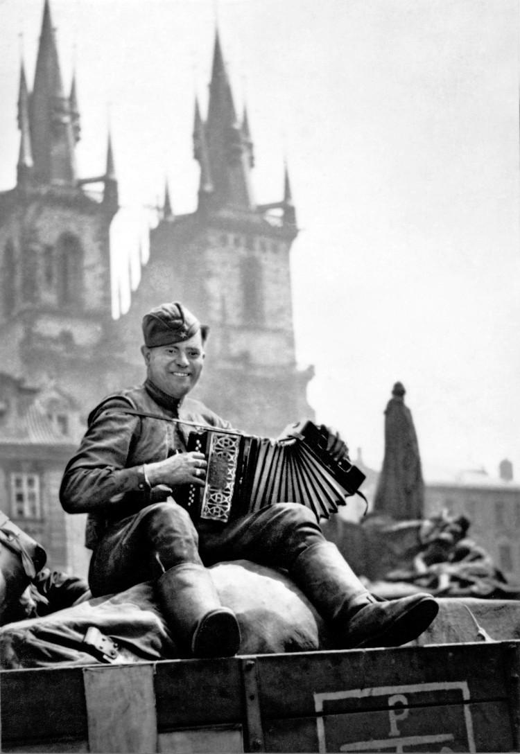 1945-vojak