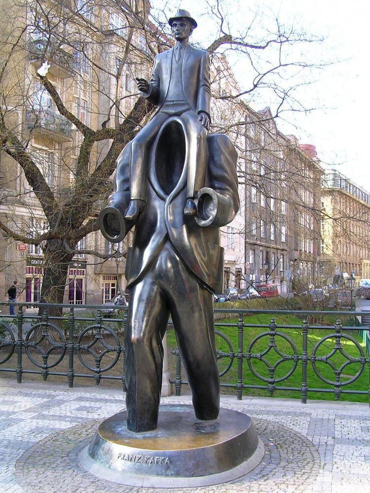 skulpturi-praha-2
