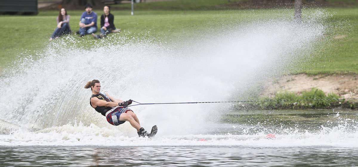 Летящие по воде